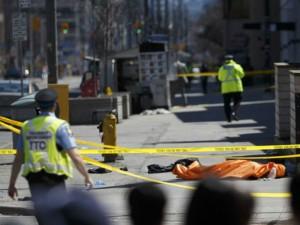 kombi napad Toronto 23apr18