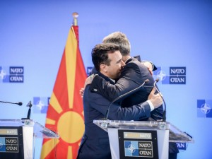 Zaev i Stoltenberg vo NATO se gushkaat 29jun18 - Vlada