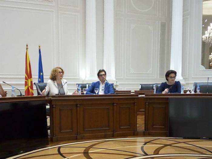 Radmila Shekerinska Stevo Pendarovski za NATO vo Vlada 9jul18 - Meta