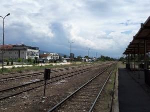 Zheleznichka stanica Skopje Sever prugi vozovi jul18 - Meta