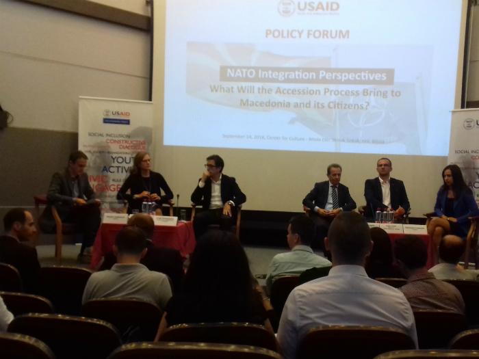 Debata NATO Bitola Danijela Barishikj Stevo Pendarovski 14sep18 - MEta