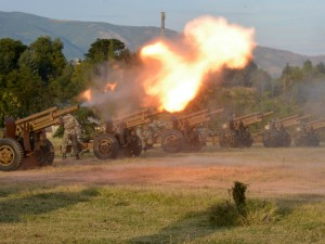 artilerija topovi pochesna strelba avg18 - ARM