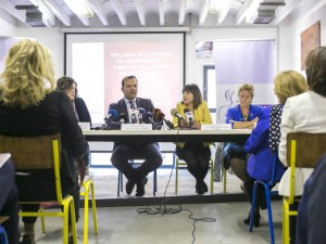 Mila Carovska i Oliver Spasovski konferencija za ubistva na zheni 26okt18 - MTSP