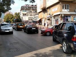 Tetovo ulici soobrakjaj metezh avtomobili 3okt18 - Meta