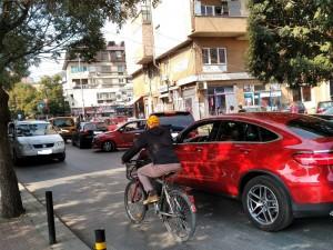 Tetovo2 ulici soobrakjaj metezh avtomobili 3okt18 - Meta