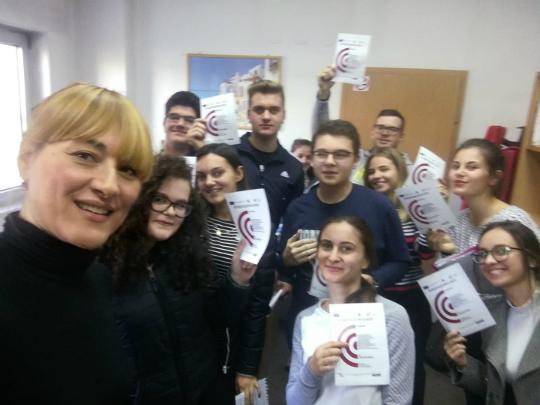 Jasna Bachovska so studenti
