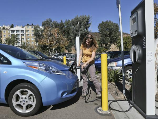 Elektrichen avtomobil polnenje Kalifornija