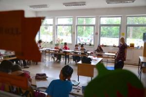 Ucenici vo ucilnica - Viktor Popovski,Kolektif