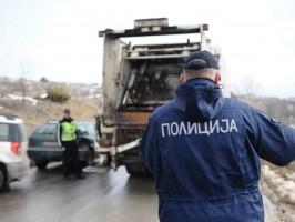 kamion za djubre policajci Drisla protest ekologisti 1fev19 - Borche Popovski