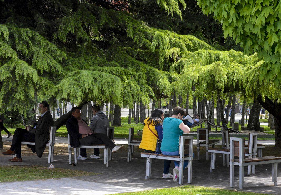 lugje klupi Zhena Park