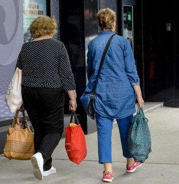 kupuvanje shoping zheni potroshuvachka koshnichka