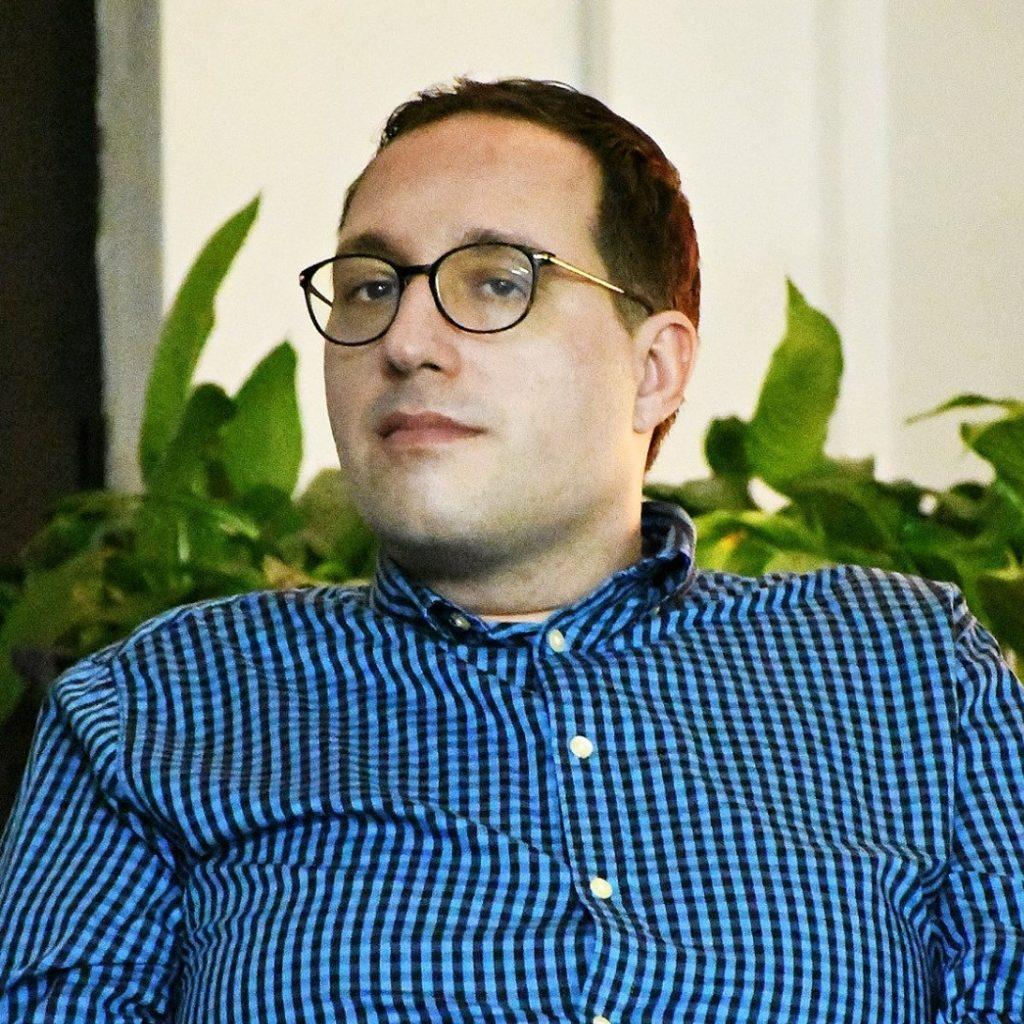 Бојан Кордалов комуниколог