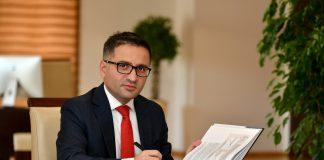 Фатмир Бесими-фото Министерство за финансии